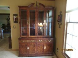 Thomasville China Cabinet The Mahogany Collection 86 Tall 55 Wide Lighted