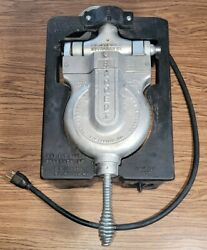 Vintage Cast Iron F.s.carbon Rugged I Commercial Waffle Iron - Great Condition