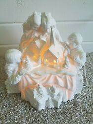 Dept 56 Winter Silhouette A Family Tradition White Porcelain In Box