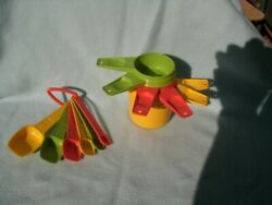 Vintage Tupperware Multi-colored Measuring Cups 6 And Spoons 6