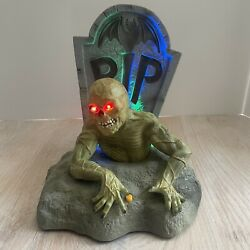 Gemmy Dead Ed Zombie And Grave Animated Halloween Prop 2007 Speaks Lights Moves