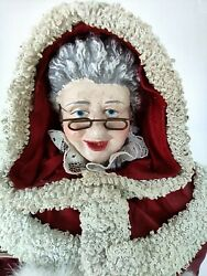 Clothtiques Possible Dreams Mrs Santa Claus In Coat W/ Basket And Faux Fur Muff