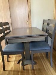 Forest River Rv Table And 4 Chairs Brand New 900.00