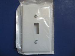 Leviton 88001 White Toggle Light Switch Cover Wall Plates (Lot of 40)