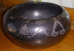 Formed And Decorated Early 20th C. San Ildefonso Native American Pottery Bowl
