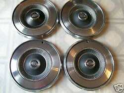 1975 Ford Hubcap / 14 / Set Of Four
