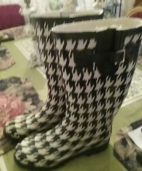 Charming Charlies Black/white Hounds Tooth Rainboots Size 9