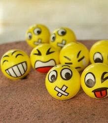 New Christmas Party Fun Emoji Face Squeeze Balls Stress Relax Emotional Toy Ball