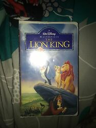 The Lion King (VHS 1995) Wlat Disney master piece collection in color.