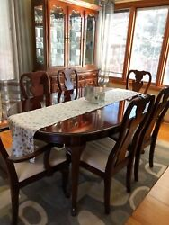 Thomasville Cherry Wood Dining Table Hutch And Buffet