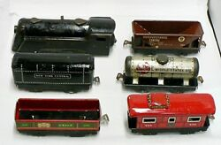 Vintage Marx Wind Up Train Engine With 6 Cars For Parts