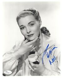 Patricia Neal Hand Signed 8x10 Photo     Stunning Hollywood Legend    Jsa