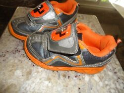 Starter Boys Toddler Lightweight Athletic Shoe With a stylish design size 10 $7.99