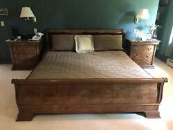 Hedradon Sleigh Cali King Bed Set; Night Tables And Dresser