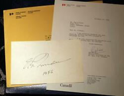 Pierre Trudeau Signed Index Card Letter And Original Mailing Envelope Pm Canada