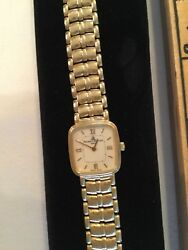 Baume And Mercier Geneve Watch 14 Karat Gold With Mother Of Pearl Face