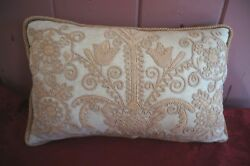 VTG. THROW WITH EMBROIDERY PILLOW: ZIPPERED PILLOW WITH PILLOW FORM