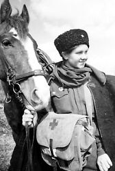 Ww2 Photo Wwii Female Medic And Horse Red Army Cavalry World War Two Russia/ 1631