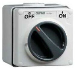Clipsal 56-series Surface Switch 3-pole 20a 500v Control Circuitresistant White