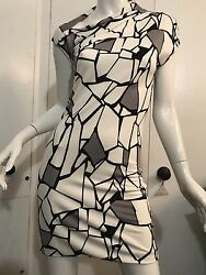 Dress S Xs Nwot Main Color White Iconic Abstract Design Runway Collection