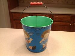 Vintage Raggedy Ann And Andy Chein Tin Litho Sand Pail 8 Tall 1972 Wood Handle