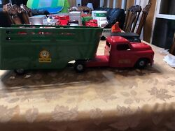 """Vintage Structo Toys Farm Green Trailer Animal Stock Red Truck Pressed Steel 26"""""""