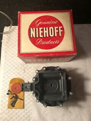 Nos Niehoff Dr-69 Distributor Cap Replaces Delco Remy 1875963 D-330 8 Cylinder