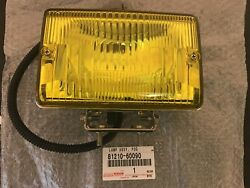 TOYOTA Genuine LAMP ASSY FOG Light 81210-60090 FS