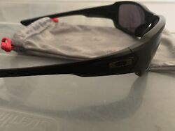 Oakley Matte Black SI Fives Squared Sunglasses. Good Condition FREE SHIPPING $120.00