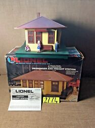Lionel 12728 Illuminated Passenger And Freight Station In Ob W/instruction.