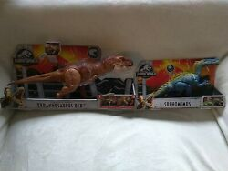 Jurassic World Thrash'n Throw Electronic T-rex And Action Packsuchomimus
