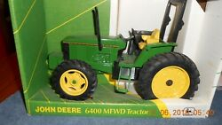 Usa John Deere 6400 Mfwd 1/16 Scale Die-cast Tractor 5667 Collectorand039s Edition