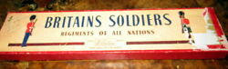 Antique Soldiers -britains Soldiers -in Original Box -regiments Of All Nations