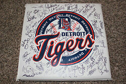 Detroit Tigers 2004 Team Signed Spring Training Seat Cushion Trammell Gibson