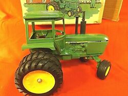 John Deere 4250 Tractor - Toy Farmer 5th In Series - 1982 National Show - Box