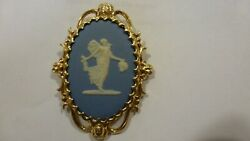 Vintage Ladies 2 1/8 14k Yellow Gold Blue Wedgewood Pin Brooch Ex Condition S71