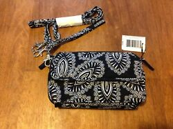 NWT VERA BRADLEY ALL IN ONE CROSSBODY FOR IPHONE 6 6 7 7 8 Blanco Bouquet $35.00