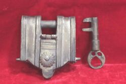 Iron Lock And Key Antique Vintage Old Home Decor Collectible Pu-61