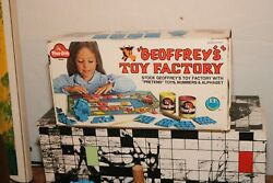 Geoffrey's Toy Factory Box 1973 Toys R Us Play-doh Giraffe Vintage 1970s Kenner