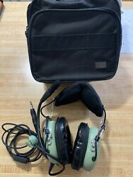 David Clark H10 13.4 Aviation Headset Tested With Case