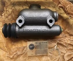 Jaguar 1970 Xke Miscellaneous Auto Parts For Brakes Mostly. See Note.