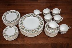 Wedgwood Strawberry Hill 63 Piece 12 Place Settings Dinner Salad Bread Plate Cup