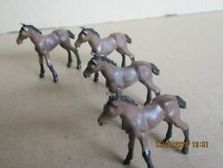247n Britains Toys Plastic Bundle Animals Of Farm 4 Foals Brown H 1 7/8in