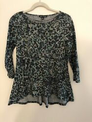 Cable and Gauge Hi Lo Tunic Floral Top Small $10.00
