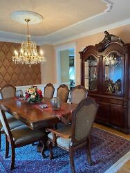 Beautiful Luxury 10 Pc Dining Room Set + China Cabinet. Very Good Condition.andnbsp