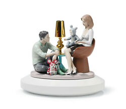 Lladro The Family Portrait Figurine. By Jaime Hayon 01007255 / 7255