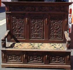 Amazing Antique Wooden Bench – Storage In The Seat – Locks – Gorgeous Carving