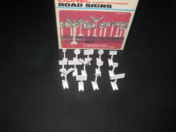 14 Lionel Detailed Road Signs-c-7