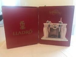 Lladro Up The Chimney He Rose 6668 Night Before Christmas Collection Mint Box