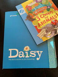 Daisy Girl Scouts Guide to Girl Scouting Binder New Leadership  Journey